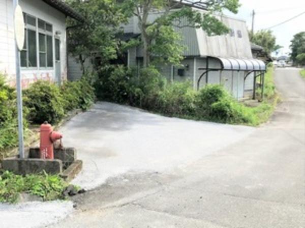 防草対策  鉄鋼スラグ簡易舗装材による舗装  施工の流れサムネイル