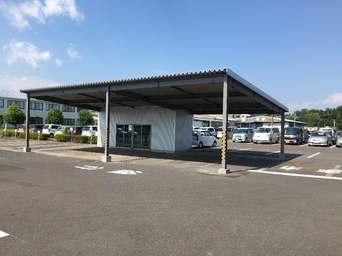 新築   ガレージと倉庫  (有)アキ建設サムネイル