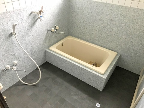 独身寮    浴室トイレ  リフレッシュ   (有)アキ建設サムネイル