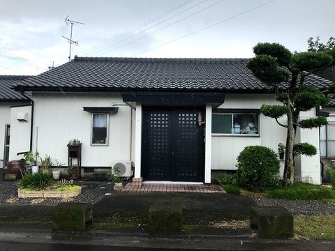 大崎町新調堀S様邸知人の家の玄関扉がなんと1日で綺麗になったと聞いてまさかと思いましたが本当でした  (有)アキ建設サムネイル